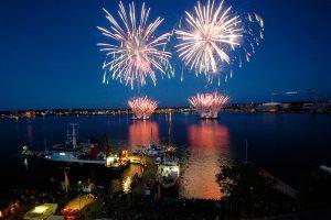 Feuerwerk über der Kieler Förde